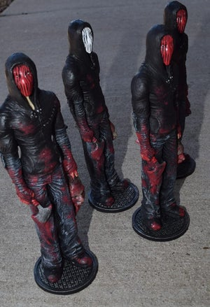"Image of ""Stalker"" Deluxe Resin Statue"