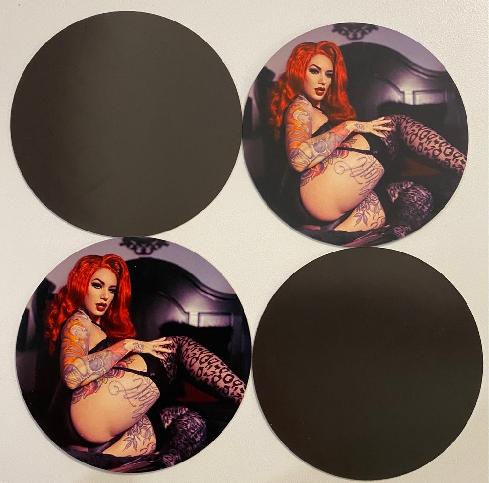 **NEW** Pin up magnet