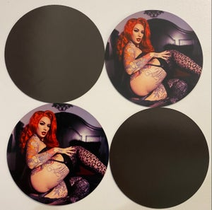 Image of **NEW** Pin up magnet