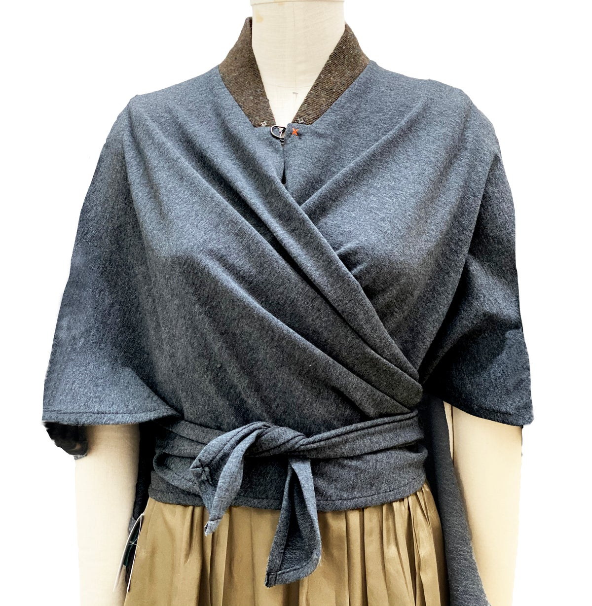 Image of gray wrap with removable shearling