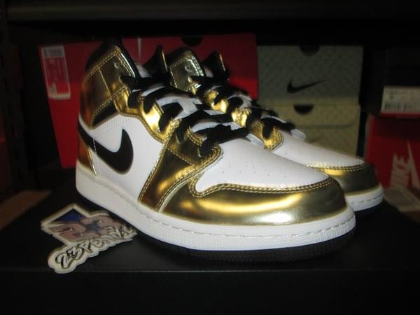 "Air Jordan I (1) Retro Mid SE ""Metallic Gold"" GS - areaGS - KIDS SIZE ONLY"