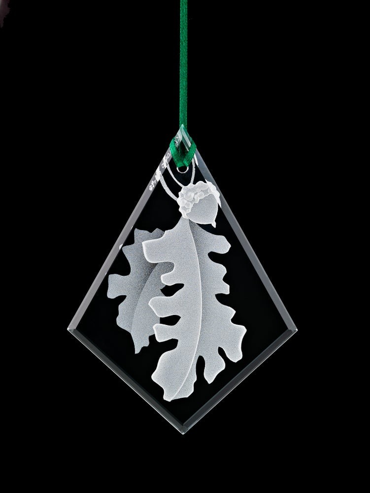 Image of Oak Leaves with Acorn Pendants