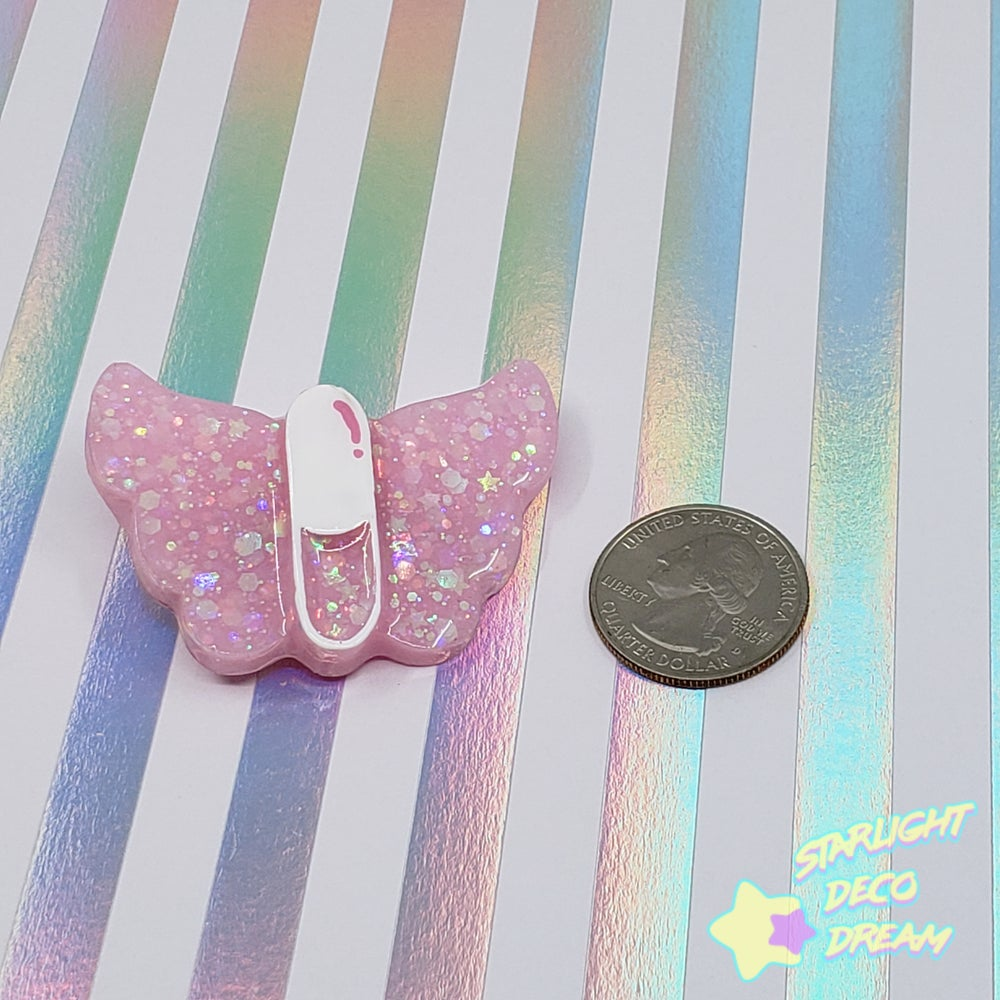 Image of Angelic Hospital Sky High Pill 2WAY Hair Clip and Pin Badge