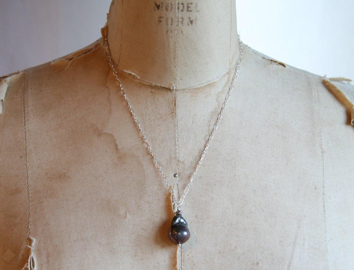 Baroque Pearl Pendant Necklace