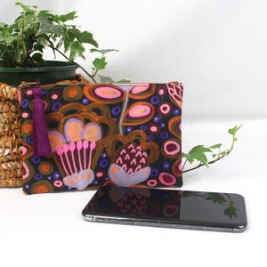 Image of Purse - Bold Botanicals Pinks