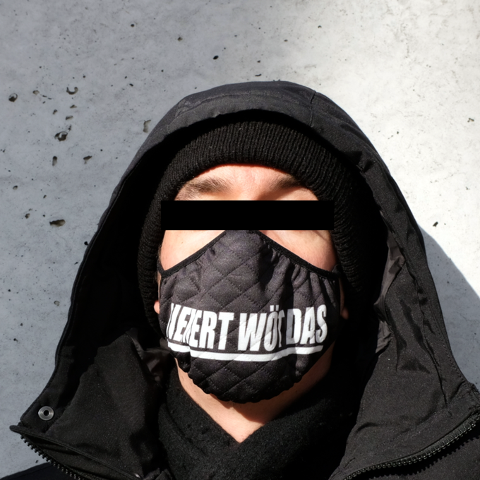 Image of NIEMERT WÖT DAS Mask #1