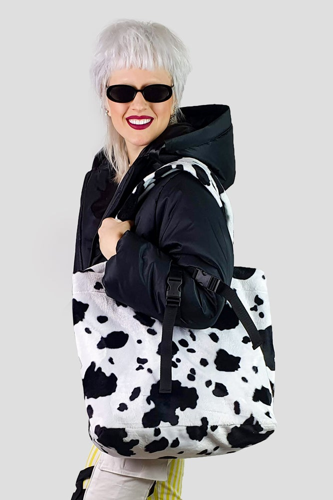 Image of cow GIGA purse