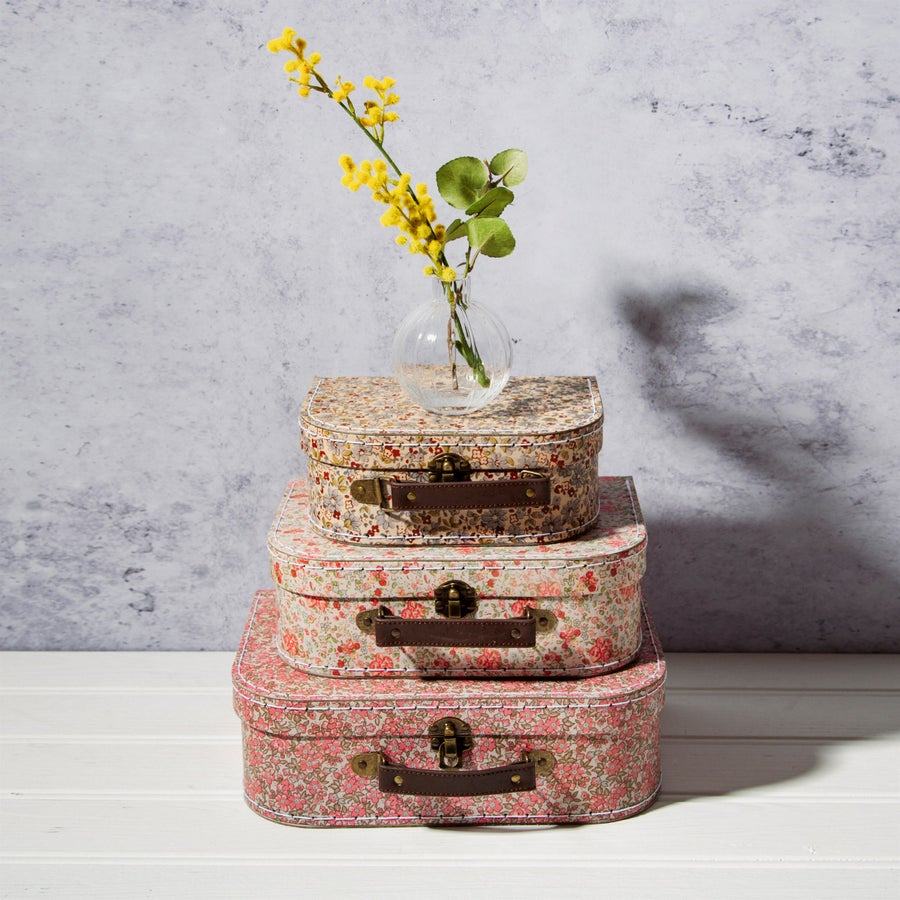 Image of VINTAGE FLORAL SUITCASES - Set of 3