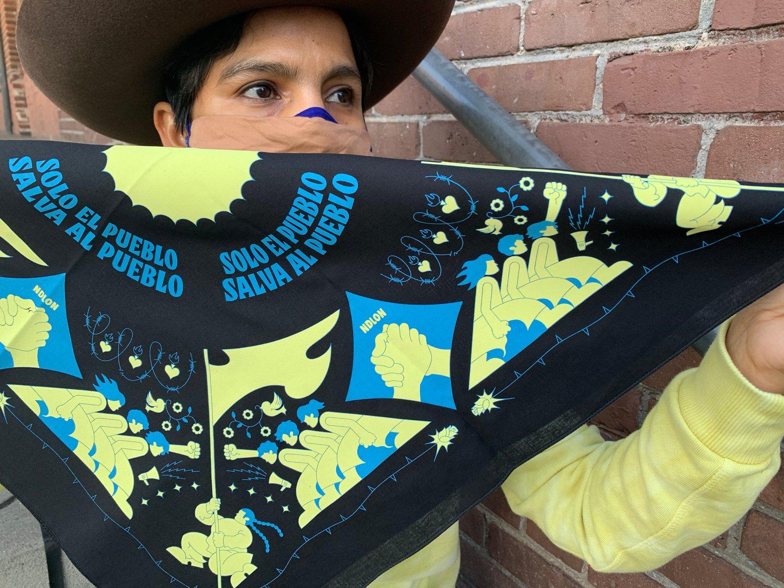 Bandanas de pasamonta/ñas g/óticas color morado Colin-Design dise/ño de calavera grande