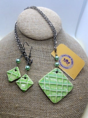Key Lime Necklace/Earring Set