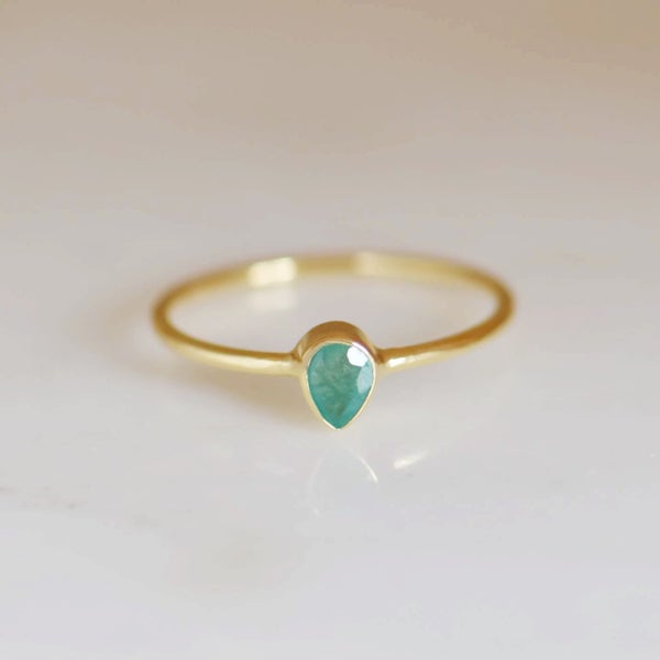 Image of Natural Emerald pear cut 14k gold ring