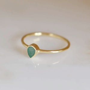 Image of Natural Emerald pear cut 14k gold ring