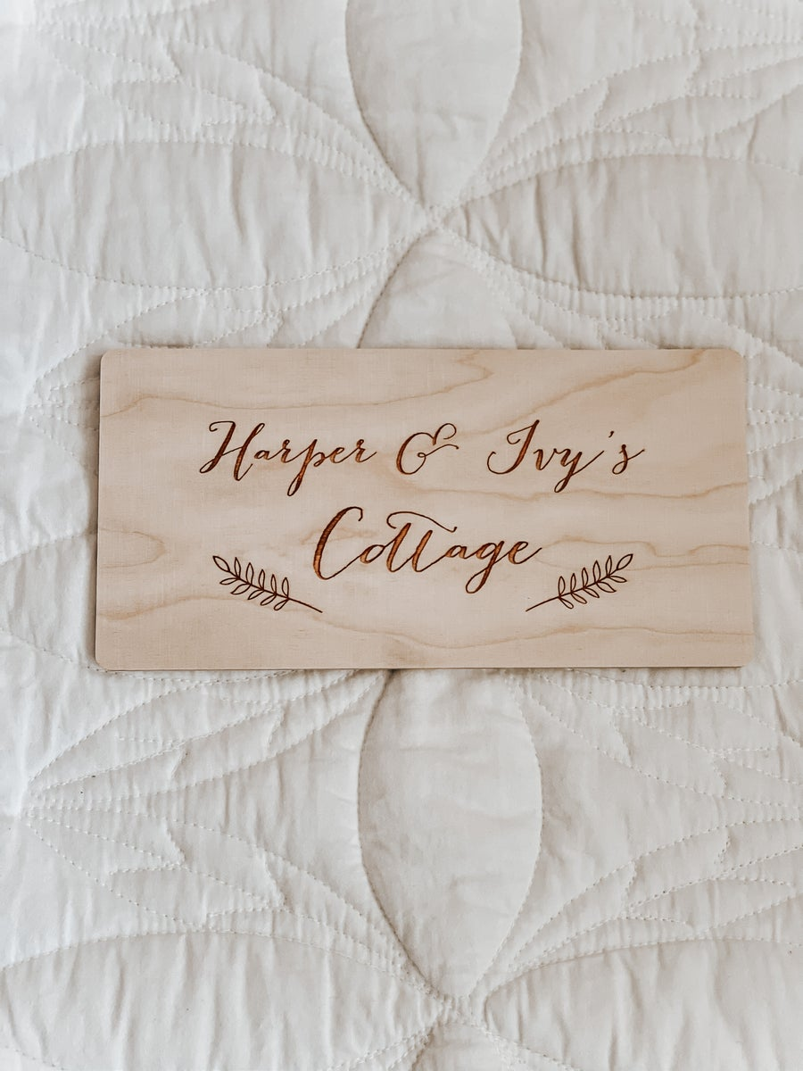 Image of Cubby plaques assorted