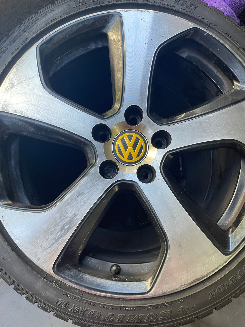 MK7 GTI Austin Wheels Center Cap Overlay
