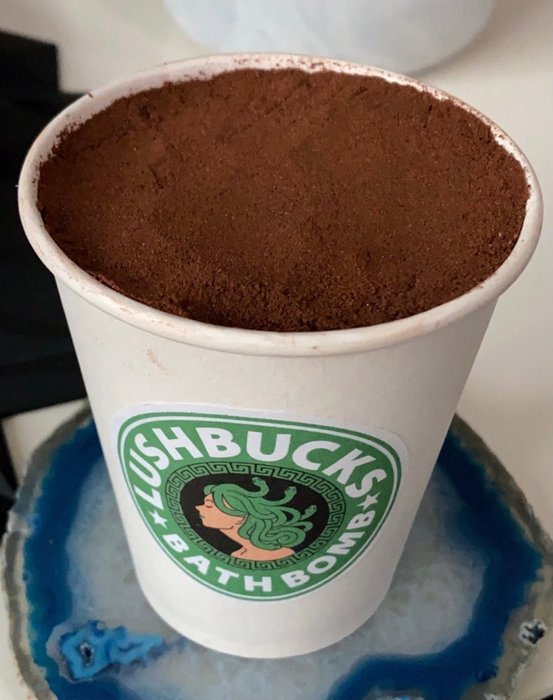 Image of LUSHBUCKS Bath Bomb