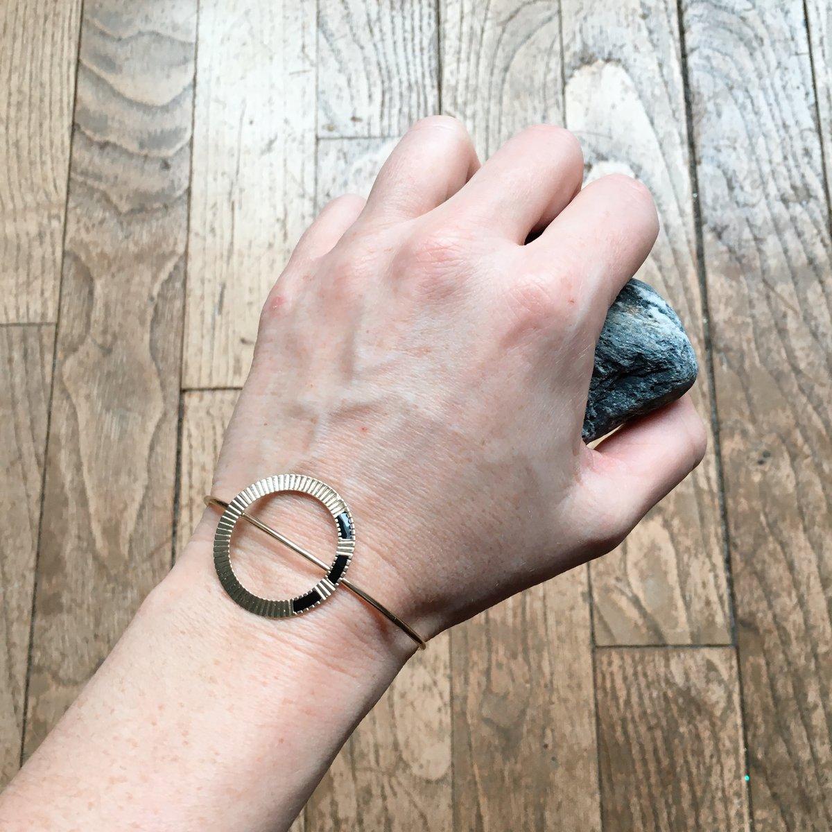 Bracelet Gone