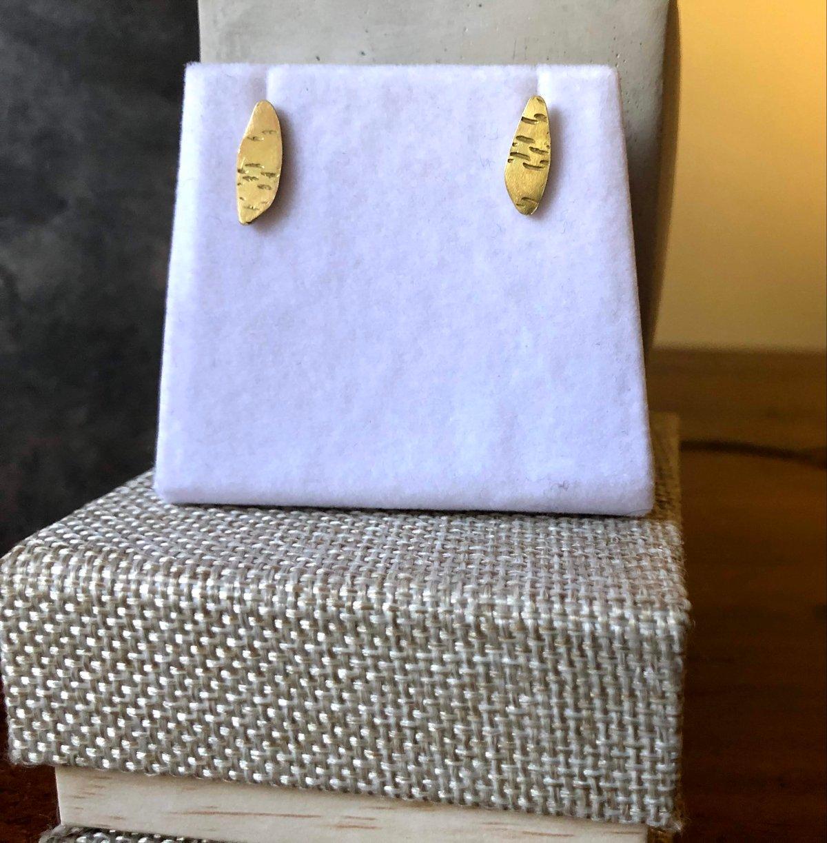 18k gold birch texture stud earrings