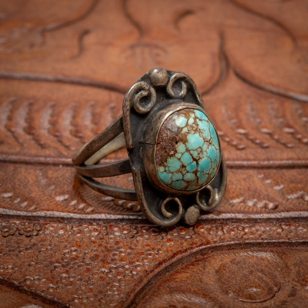 Image of Vintage Sterling Silver Ring with beautiful Turquoise stone with spiderweb matrix  size 6.5