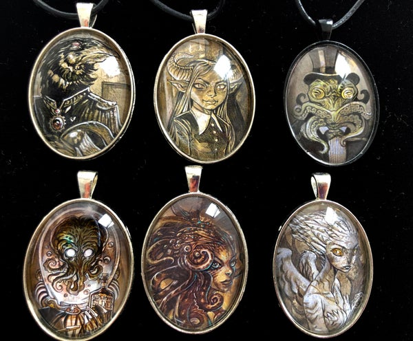 Image of Thornclaw Family Cabochon Picture Jewelry
