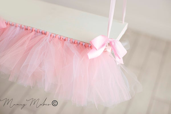 Image of TUTU ribbon swing shelf (containing pink)