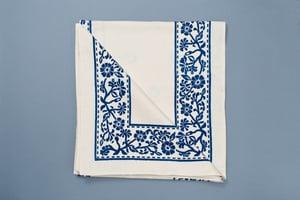 Image of TOVAGLIA A FIORI BLU STAMPATA A MANO / HAND PRINTED BLUE FLOWER TABLE CLOTH