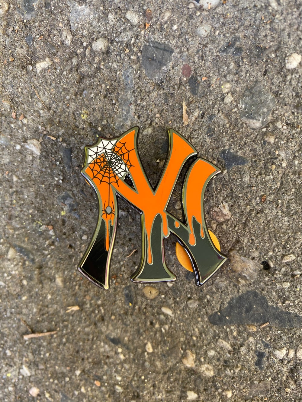 Image of Savior Yankee Halloween Yankee drip pin