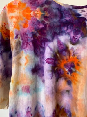 Image of Tie Dye Large 1 of 1 (Run Into Flowers)