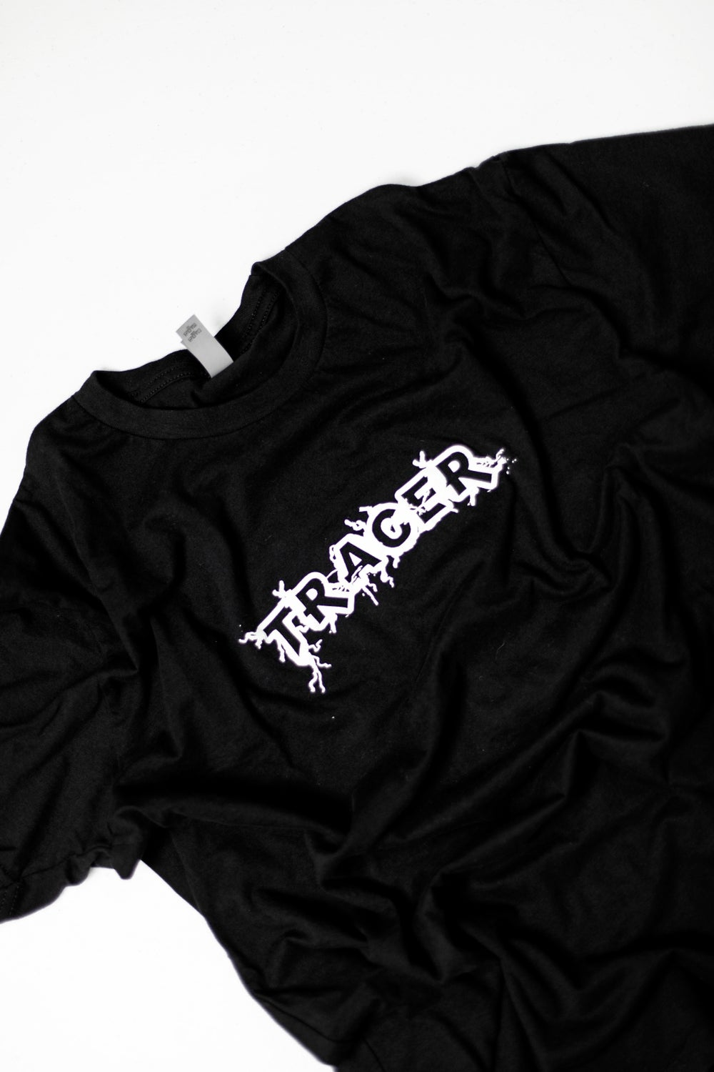 """""""tracer"""" tee"""