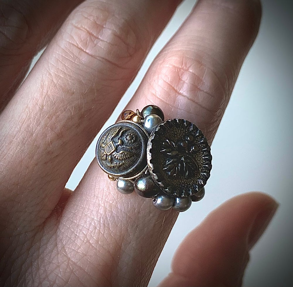 "Image of ""Beautiful Soldier"" Bouquet Ring"