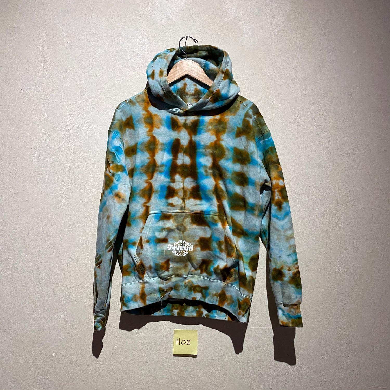 Medium Hooded Sweatshirt (H02)