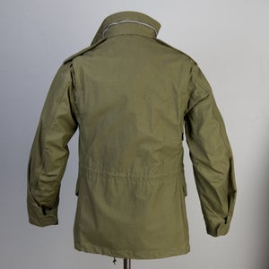 Image of Deadstock Vintage 1968 Vietnam US Military M-65 OG-107 Field Jacket Small Reg