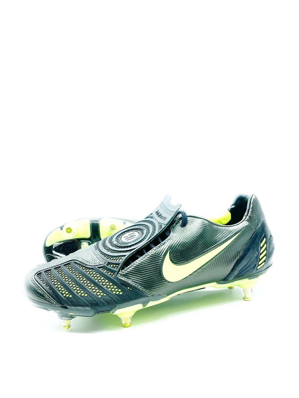 Image of Nike total90 laser SG black electric