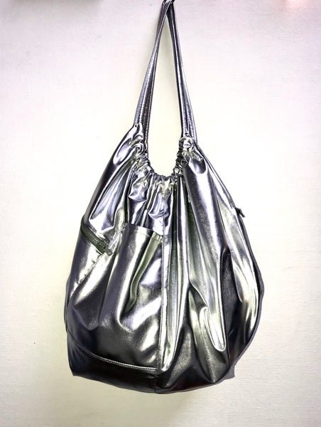 Image of BAG faux leather metallic (silver)