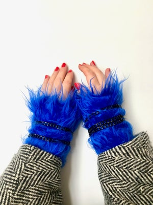 Image of arm warmers