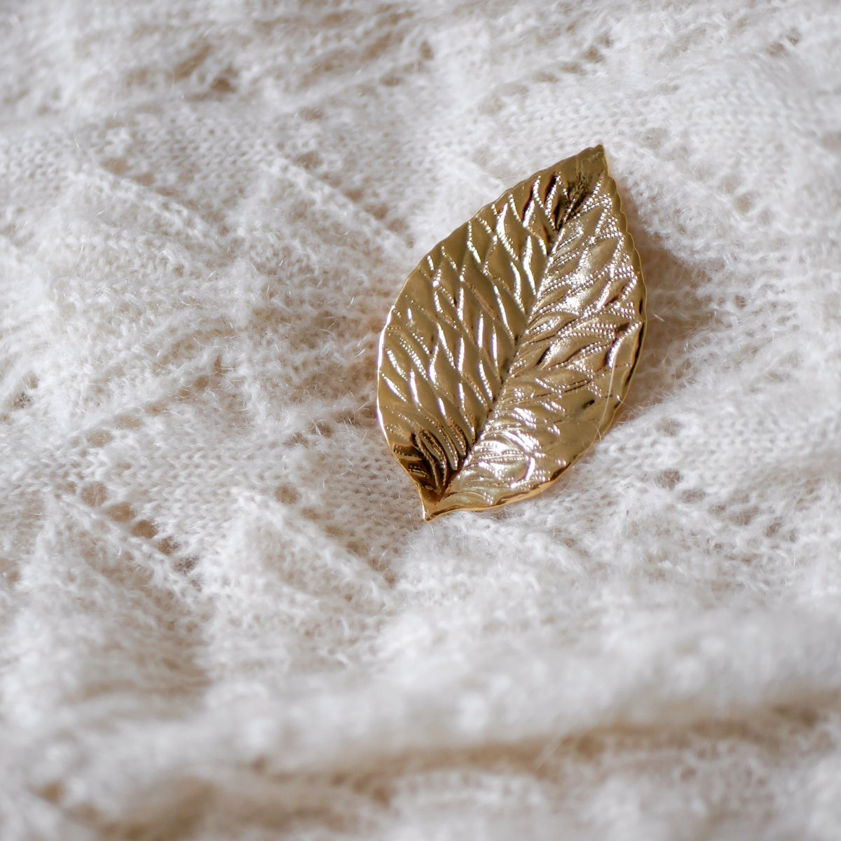 Image of Broche Feuille Taille M