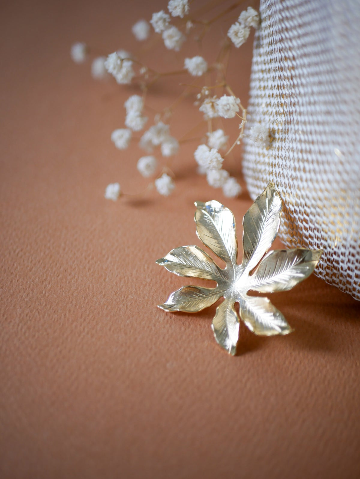 Image of Broche Feuille Taille L