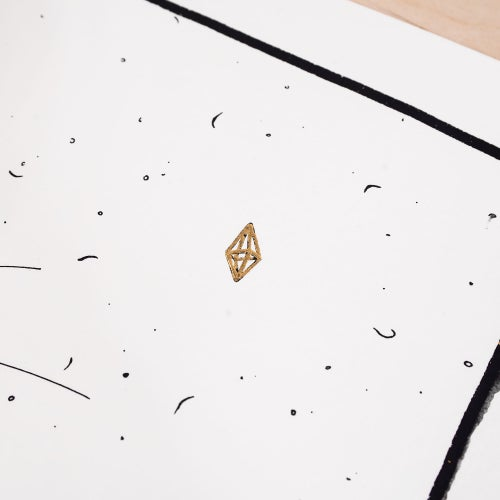 Image of ' Catch ' - 24 ct Gold