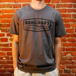 Image of SERICRAFT EMBLEM TEE - ANTHRACITE