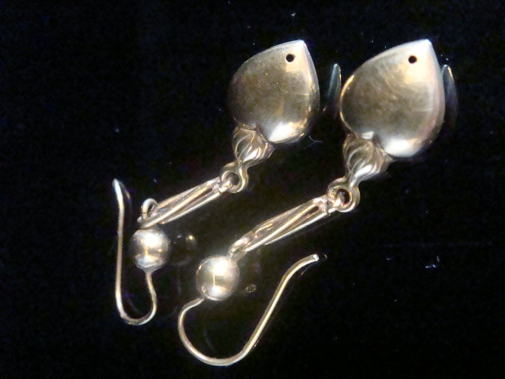Image of Edwardian 9ct yellow gold puff heart and seed pearl drop earrings