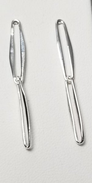 Image of 2 thin oval link earrings