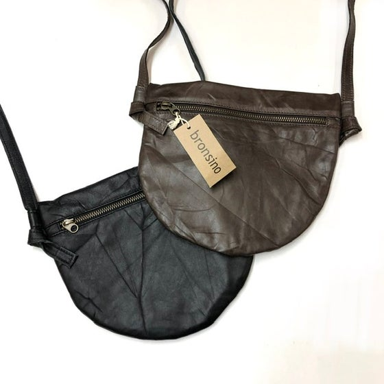 Image of Luna II - Crossbody w. adjustable strap