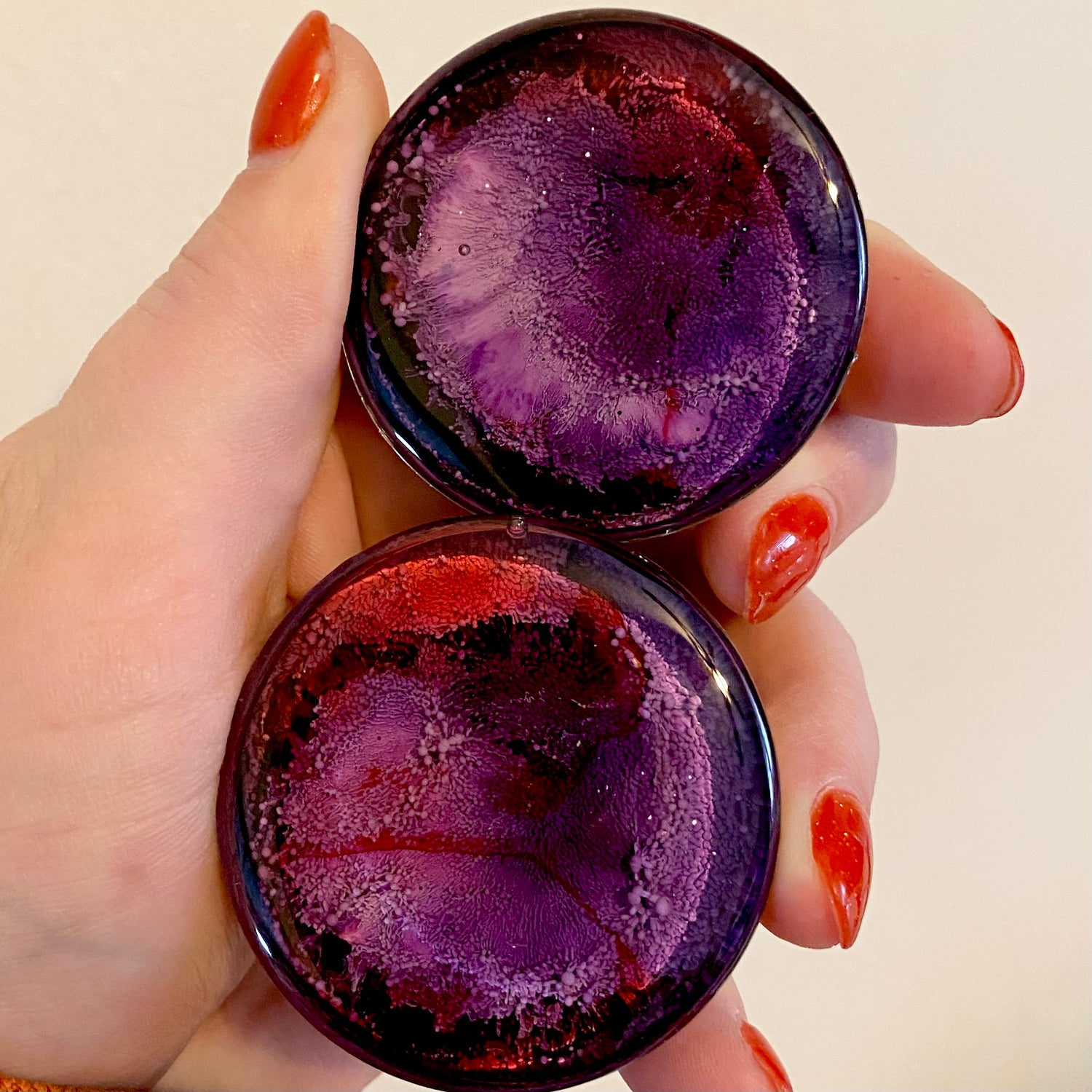 Image of 1 3/4 Purple/Red Inky Plugs