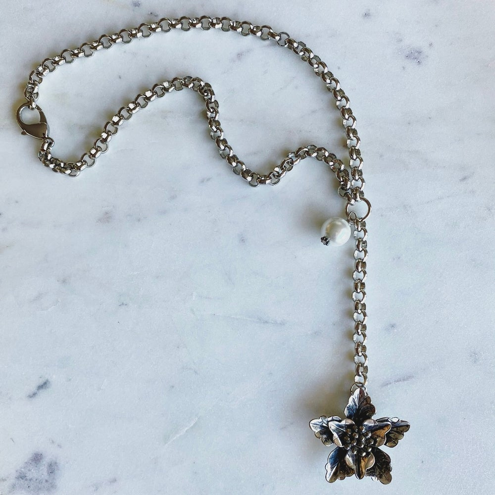 Image of Silver Flower Necklace and Bracelet