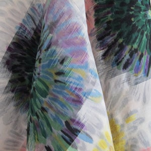 Image of Kort silkekimono jakke med rosetblomster