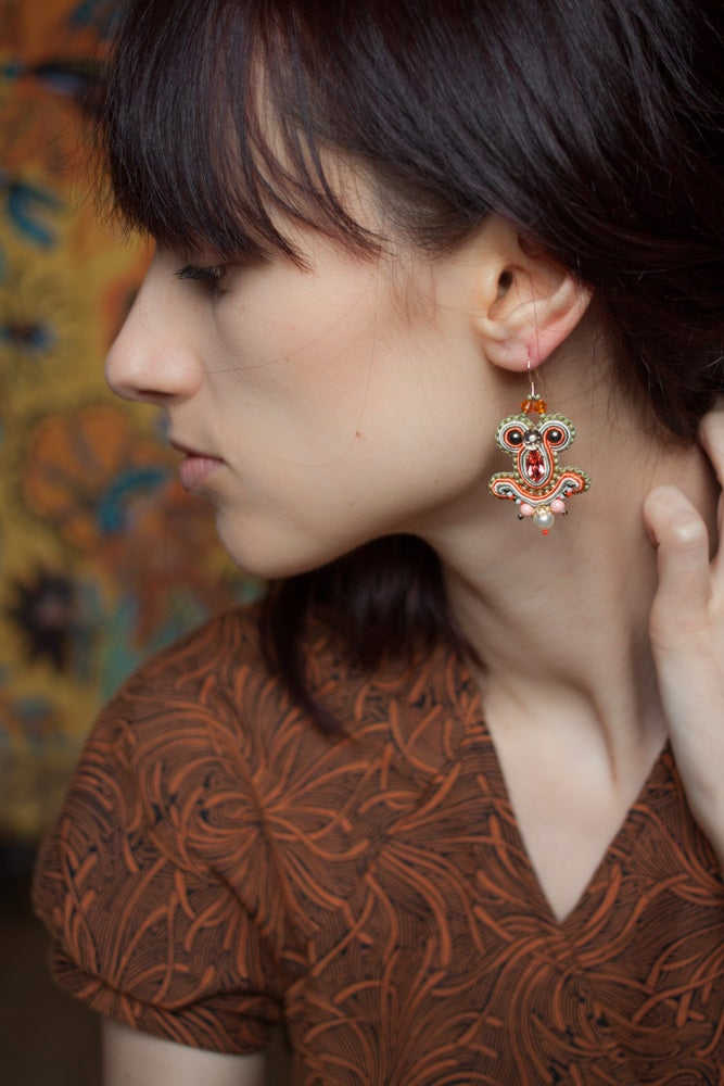 Image of Miracle Earrings - Deep Coral - Petites boucles brodées