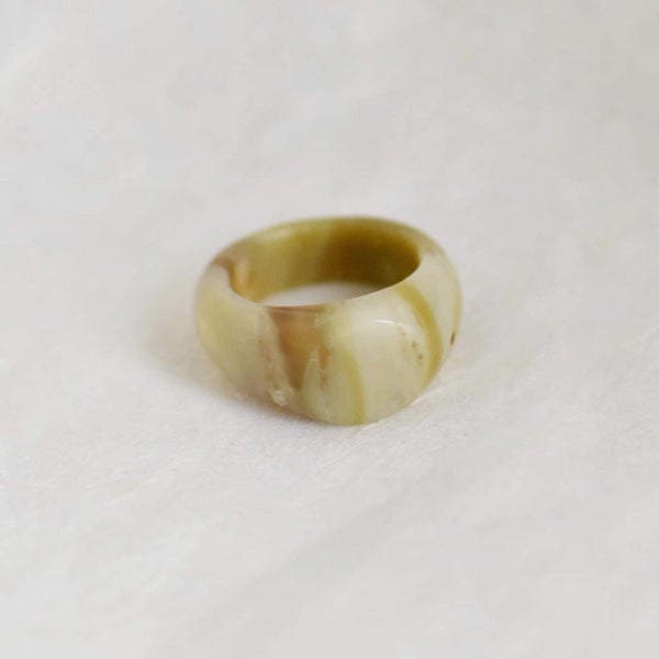 Image of Natural Green Agate traditional antique oval cut band ring