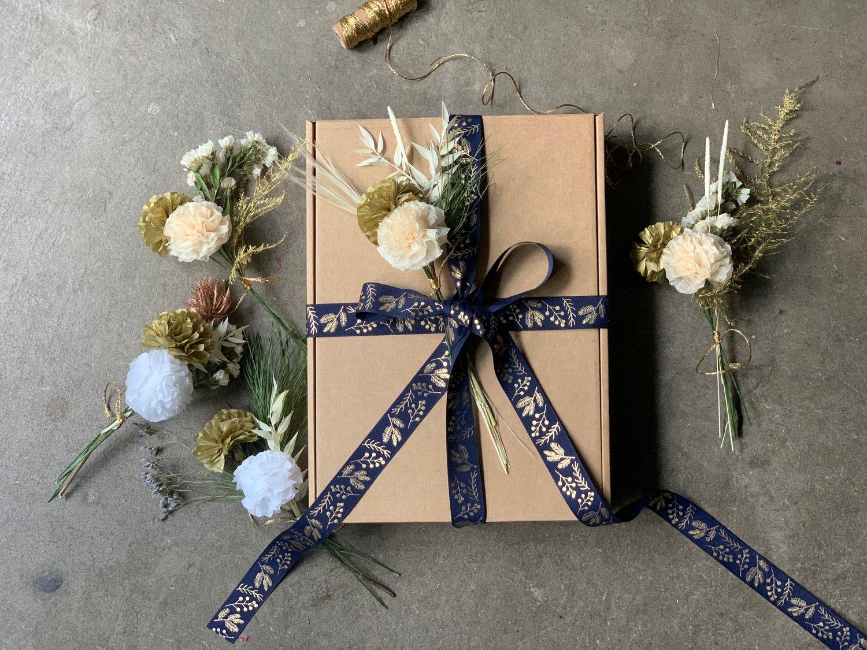 Image of Mini Bouquets - White/ Gold / Cream