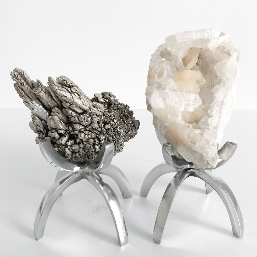 Image of Magnesium Ore No.18 + Limited Edition Chrome Claw Stand