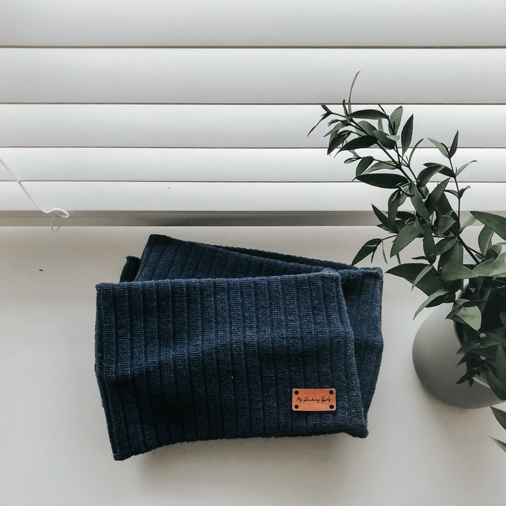 Image of Ribbed Navy Snood