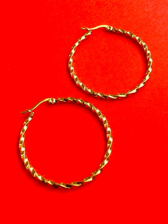 Image of BASIC TWISTED GOLD HOOP - READY TO SHIP ITEM